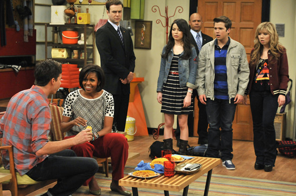 Michelle On iCarly in a Duro Olowu blouse- Photo credit CREDIT: LISA ROSE/GETTY IMAGES
